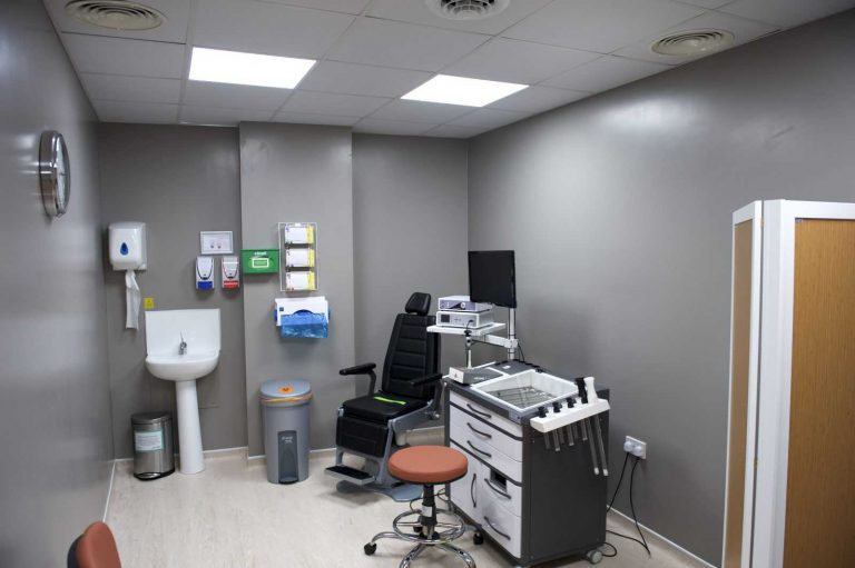 Free consultation room for hair transplant in turkey